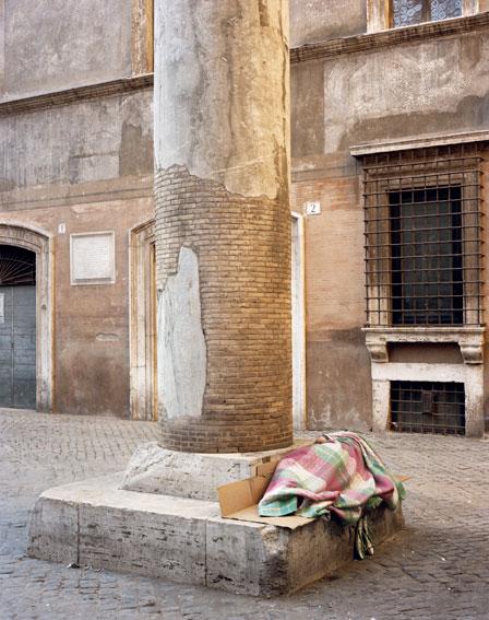 """""""Massimo"""" photographie de Veronique Ellena série """"Les Invisibles"""" 100×120 cm, Italie 2012"""