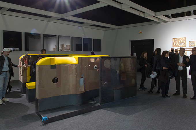 Neil Beloufa installation