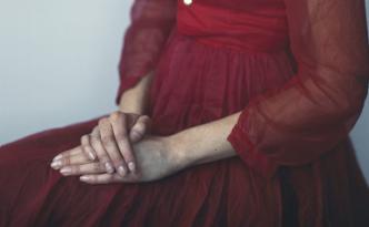 Agnes in Red Dress, 2008, Richard Learoyd, silver-dye bleach print. © Richard Learoyd, courtesy Fraenkel Gallery, San Francisco